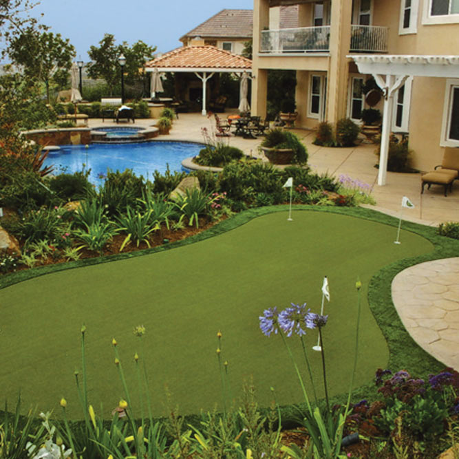 Home Putting Green with Synthetic Grass in Salt Lake City